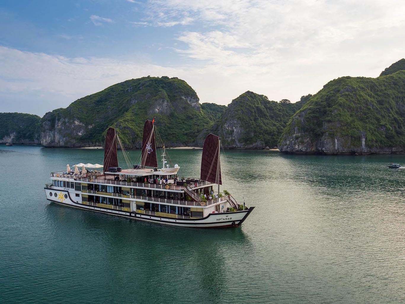 Vietnam-Halong-Bay-Cruises-Orchid-Cruises