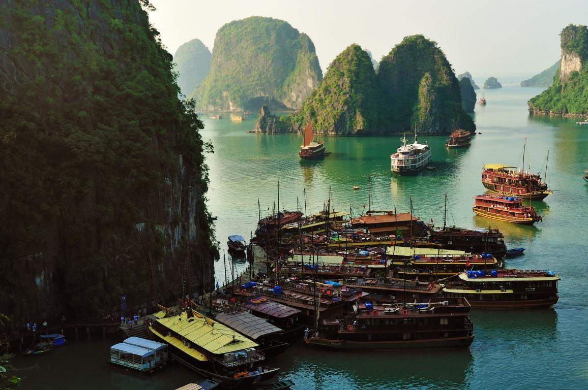 halong bay cruises from hanoi